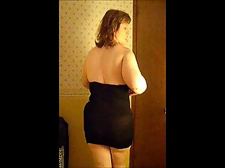 Housewife MUFFIN Striptease