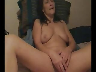 horny mom vibs herself to orgasm