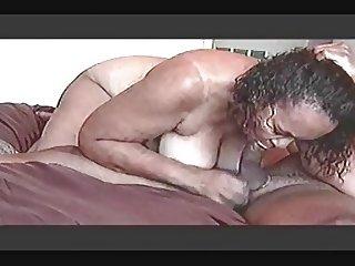 AMATEUR MATURE WITH HUGE ASS RIDING A DICK