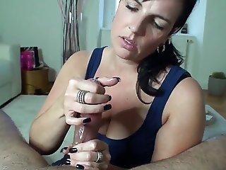 Amateur Mature Handjobs 02 !