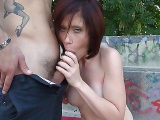 Maman cougar 35 ans
