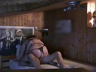 Mylene sceance dressage de cul - angle 1