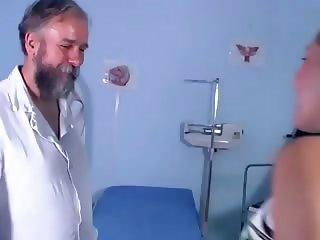 doctor put his prick up a preggo
