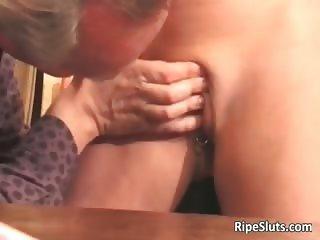 Hot sexy and horny mature babe sucks part6