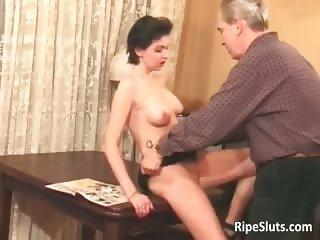 Hot sexy and horny mature babe sucks part1