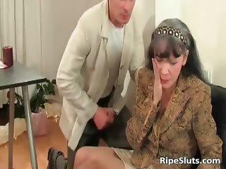 Horny mature slut gets wet pussy part4