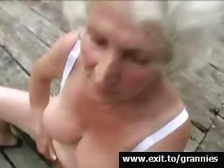 Mona, playfull horny granny