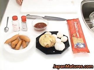 Hitomi Kurosaki Mature Asian chick part1