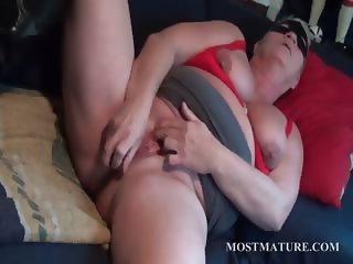 Horny BBW mature bitch masturbating pussy in bed