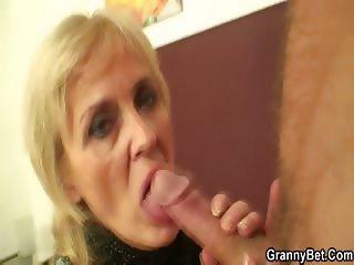 Cums on granny pussy