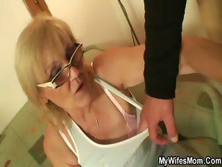 Saggy tit granny slut fucked