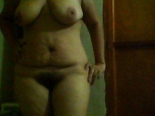 madurita jugando con su nueva webcam